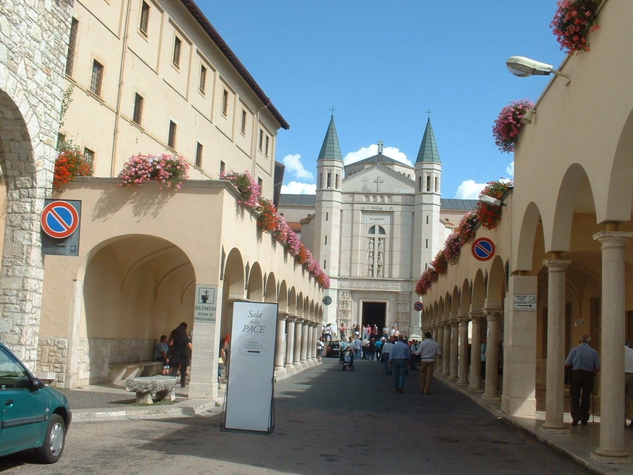 You are browsing images from the article: Umbria - Cascia (PG)