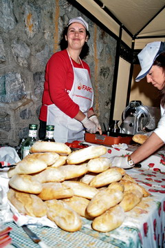 You are browsing images from the article: 22/05/2008 - Le foto della Porchettata 2008 a Larderia